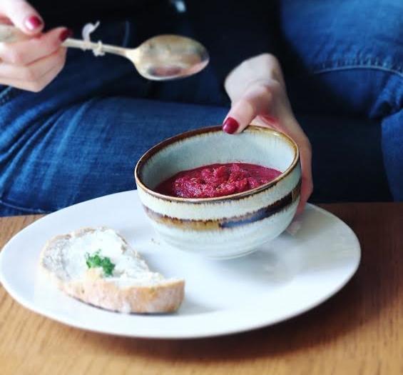 potage de betterave oignon rouge et raifort. Black Bedroom Furniture Sets. Home Design Ideas